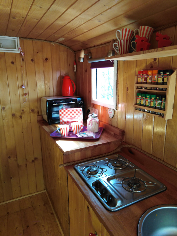 kitchen tiny house cherry dobra luka