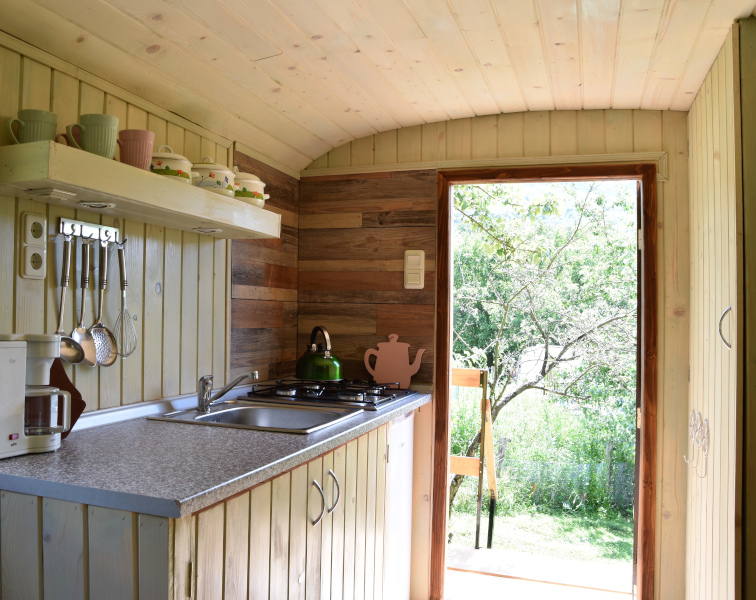Kitchen tiny house pear dobra luka